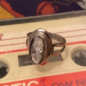 Vintage 70's Sterling Silver Coventry Cameo Ring